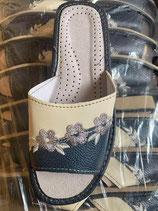 Slippers  mit Stikerei