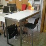 Metal mesa biblioteca
