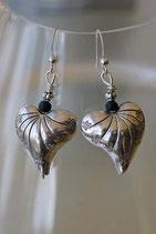 Boucles d'oreilles coeurs en métal gravé