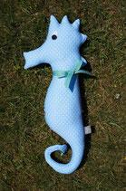Seepferdchen hellblau mit weißen Punkten