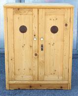 Antiker Weichholz Vorratsschrank/Wäscheschrank