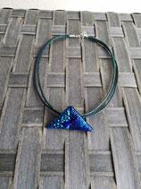 Collier verre dichroïque triangle N°8