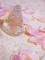 桜貝入りコーン型オルゴナイト