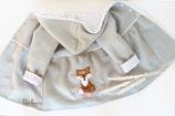 Walkmantel mit Boho-Fuchs in der Farbe Pistazie