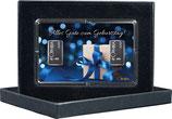 Geschenk mit blauem Band und zwei Silberbarren ab 1 Gramm M7S2