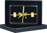 Geschenk mit goldener Schleife und Kaltfoliendruck  mit zwei Goldbarren ab 0,5 g  -  M8G2