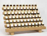 Présentoir avec 66 huiles essentielles de base - Display mit 66 ätherischen Grundölen