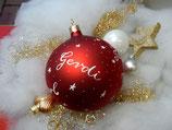XL Weihnachtskugel mit Namen 10cm rot matt Sterne-und-Schneeflocken-all-over-Design