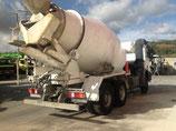 Camión hormigonera MERCEDES 3332 seminuevo 4 ejes