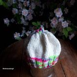 weiß bunte Babymütze Strickmütze Mütze gestrickt KU 36 cm bis 40 cm für  Mädels ( 0 bis 4 Monate )