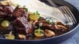 Ragoût de cerf, mousseline de pommes de terre,  airelles et choux rouge confits