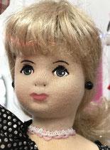 Lucie, petite sirène, brune, blonde ou blonde scintillante