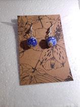 Blauw mix glaskralen oorbellen.