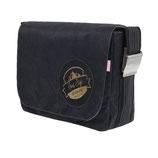 große schwarze Tasche mit goldenem Hans Sigl - Logo und Original-Autogramm auf der Tasche