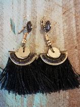Black egyptian earring  UITVERKOCHT