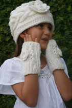 Ecru Flower Fingerless Mittens
