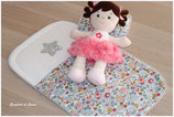 *Réservée Marie B.* Parure de lit pour berceaux de poupées de 40cm Liberty Betsy porcelaine.