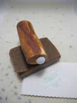 "Magnethalter ""Opalit"", gewachstes Wacholder-Holz, L ca. 76mm, D ca. 26mm, Haltekraft >200g"