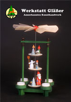 Winterpyramide mit Weihnachtsmann