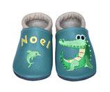 Krabbelschuh blau/grau - Krokodil/Delphin, personalisiert