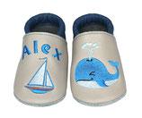 Krabbelschuh blau/grau - Segelboot/Waal, personalisiert