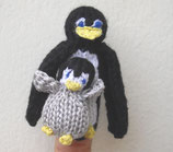 Pinguin mit Baby / Penguin with baby