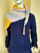 Dreieck-Schal in Pastellfarben, Alpakawolle boucle /  triangle shawl pastel colored