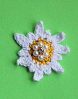 Häkelapplikation  Edelweiss mit Perlen und Strass