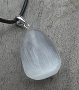 Seleniet hanger met zilveren stift