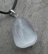 Seleniet hanger met zilver stift en oog aan koord