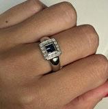 18k gouden ring bezet met diamanten en saffieren