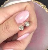 Diamanten oorstekers, 18k witgoud
