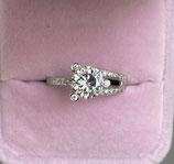 18k witgouden ring met diamanten en moissaniet