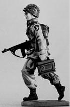 MOD S-194 running with ammo box