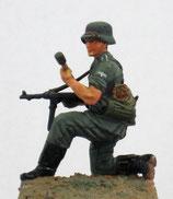 MOD S-93 kneeling, holding grenade