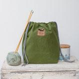 Prue  *~* medi ~ Projekttasche / Oilskin / Blumen / grün & creme