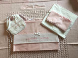 Roze 4delige- lakensetje voor wiegje of bedje + bavetje
