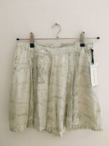 CARIN WESTER Shorts, Size M
