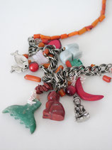 VINTAGE Necklace with single pendants