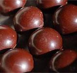 bonbons avec fruits confits au choix enrobés de chocolat noir