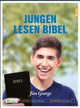 Jungen lesen Bibel
