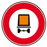 """B18c """"Accès interdit aux véhicules transportant des marchandises dangereuses"""""""