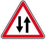 """Panneau A18 """"circulation à double sens"""""""