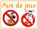 Panneau chien et fumer interdit sur l'aire de jeux rigolo