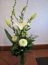 gestufter Blumenstrauss