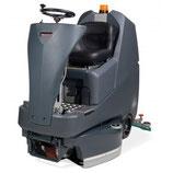 Aufsitz-Scheuersaugmaschine mit 3x Scheuerbürste oder 3x Treibteller TTV678G/300T