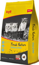 Fresh Nature Kitten & Mom