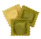Ravioli ricotta e spinaci (grün/weiß), frische Eierteigware mit Ricotta - Spinat- Füllung