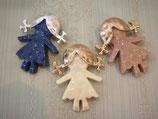 女の子モチーフブローチ全3種(780-005)
