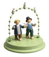 Liebespaar im Bogen mit drei Täubchen, zwei Herren